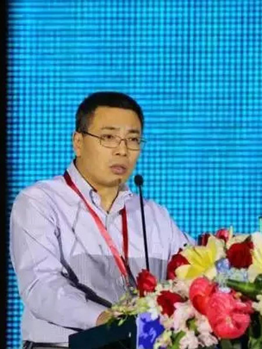 中国医师协会神经内镜/微侵袭/颅底外科学术大会上演讲